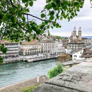 Städtereise Schnitzeljagd Zürich Limmat